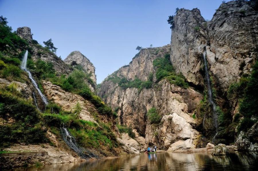 龙潭大峡谷是整个东北地区唯一的峡谷,大部分位于辽宁省葫芦岛市
