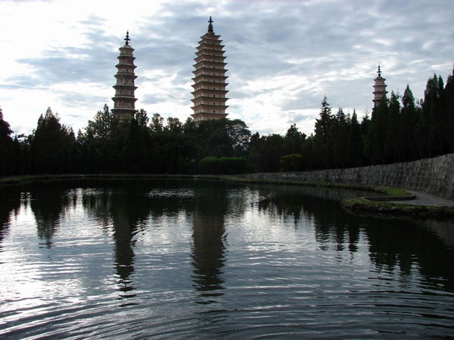《晨光塔影》拍摄于云南大理