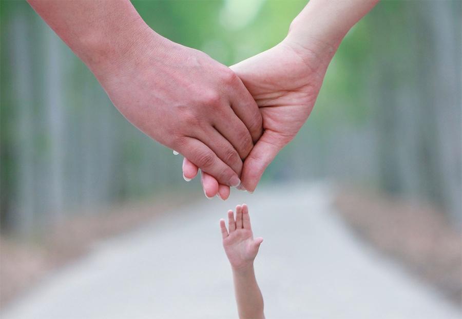 父子牵手背影图片父子牵手背影简笔画